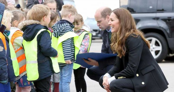 'Are You A Prince?' See Duchess Kate Answer Kid's Adorable Question