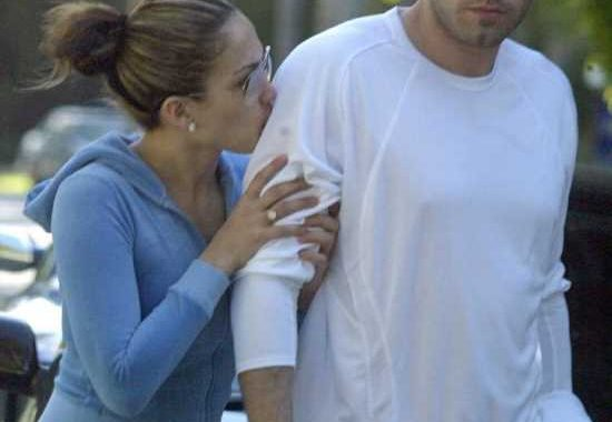 Jennifer Lopez & Ben Affleck reunited in LA on Memorial Day, they went to dinner