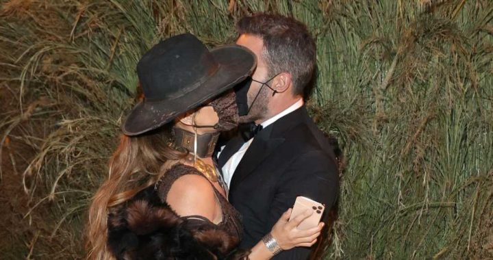 Ben Affleck Tried to Avoid the Met Gala Carpet But He and J.Lo Were Spotted Kissing Inside!