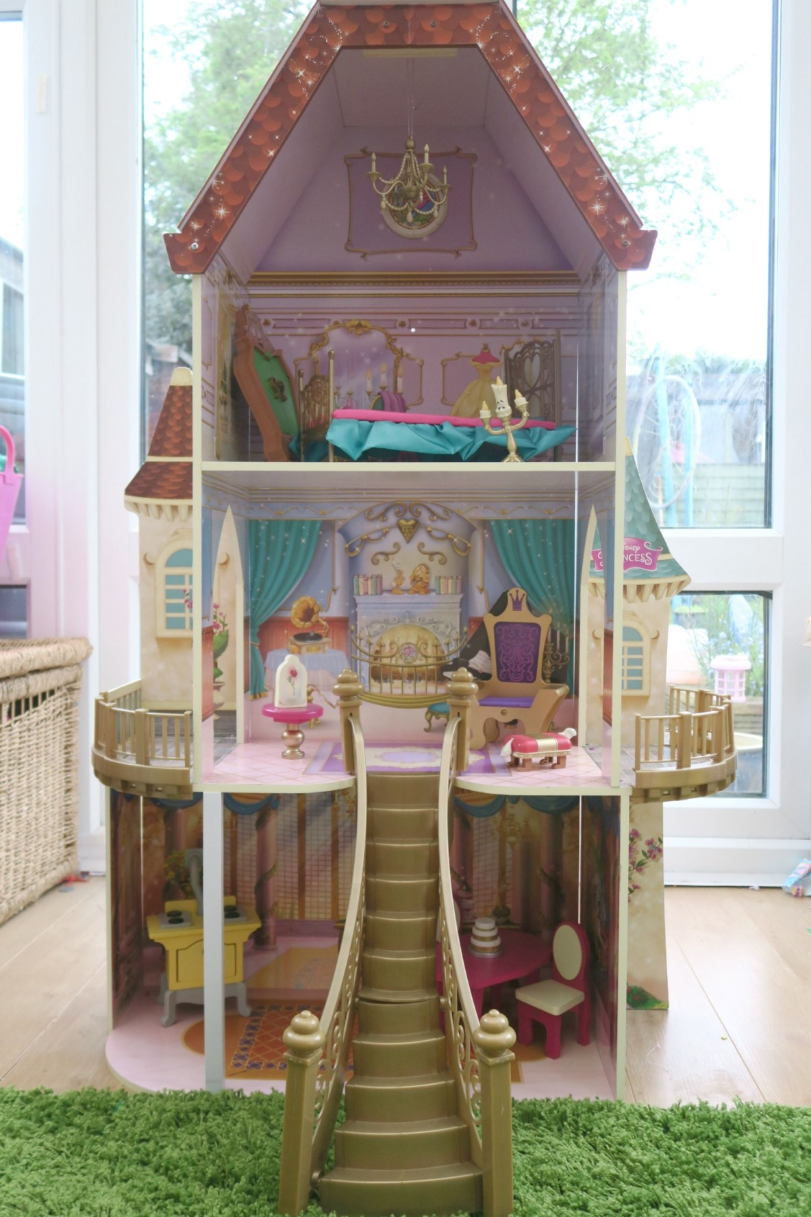 ReviewsKidKrafts Belle Enchanted Dollhouse is home to Beauty and The Beast princess Belle…