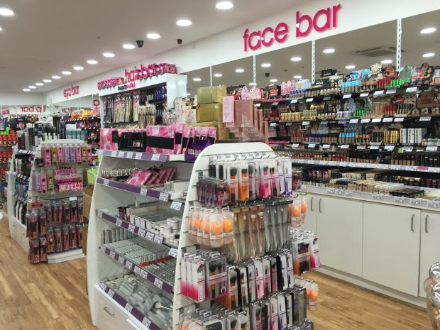Full beauty outlet