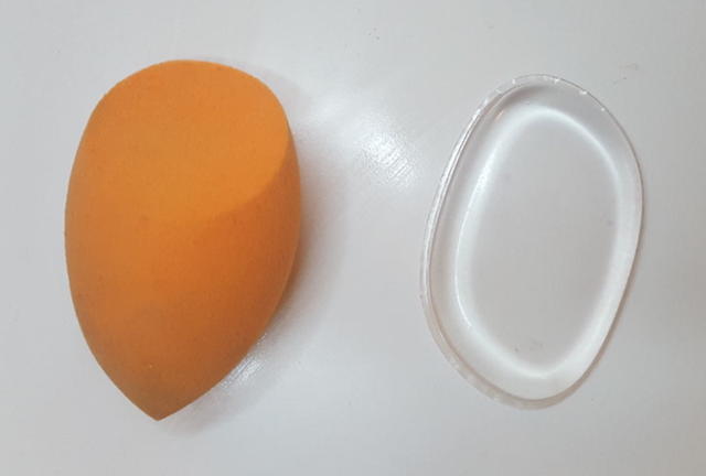 Silicone beauty blender